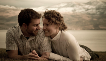 Therapist Dr. Bill Cloke has helped a lot of couples through their worst times, and offers some simple advice for how to build a loving relationship.