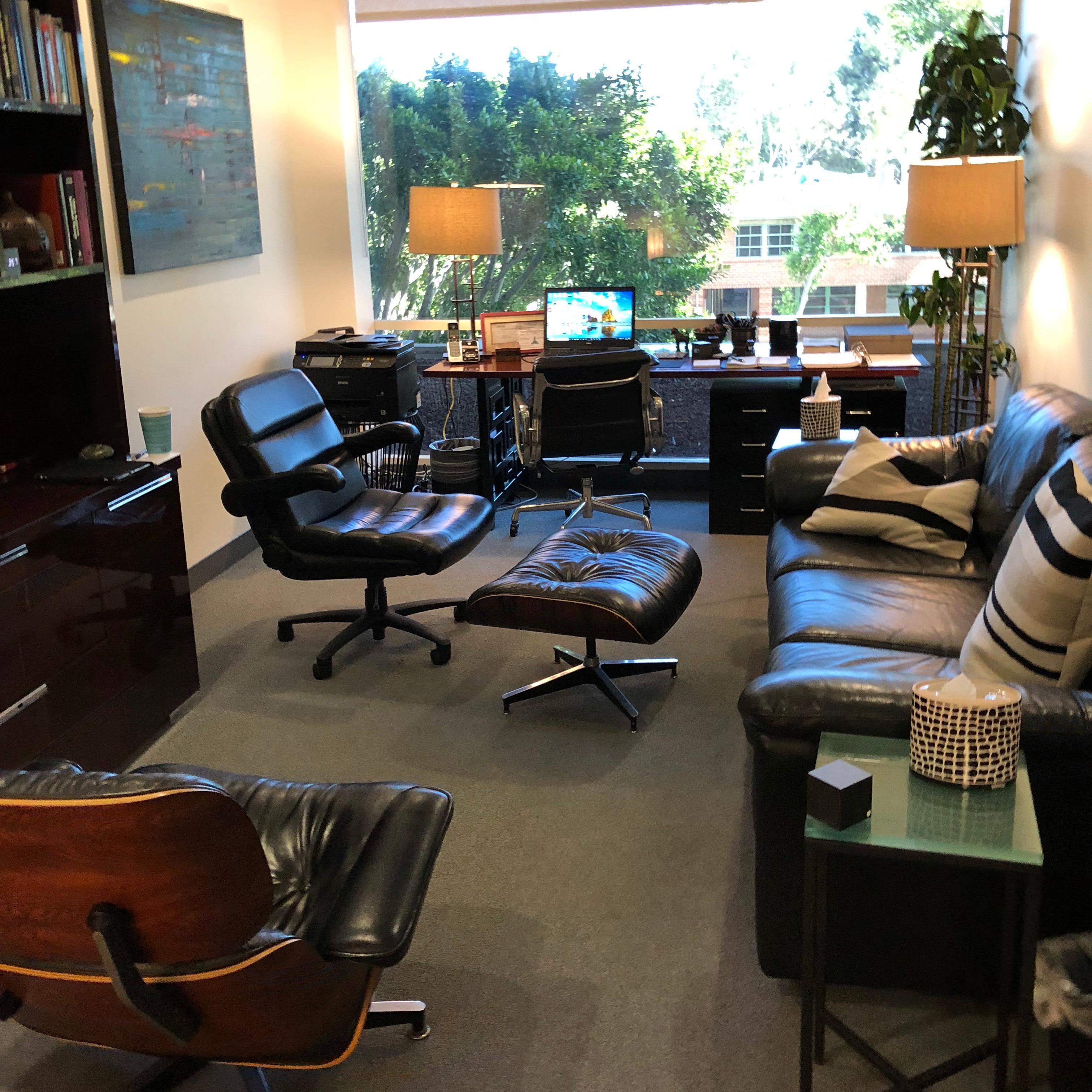 Psychotherapist Dr. Bill Cloke's Brentwood Office
